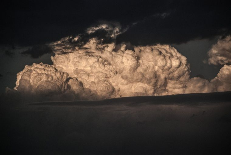 author: Bob Carter;desc: Pyrocumulus cloud from Timbarra bushfire;location: South-east Australia;
