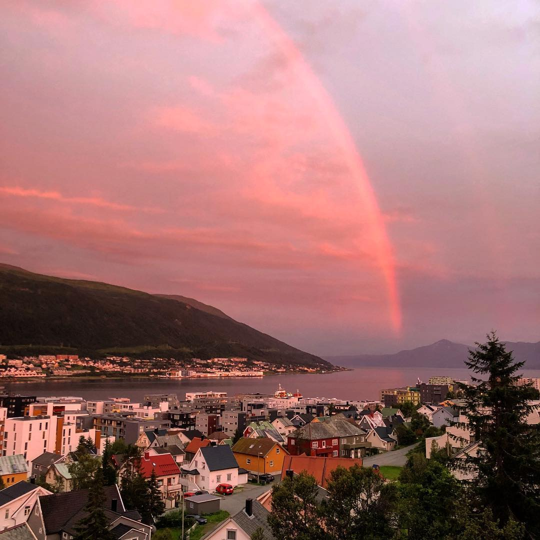 author: Juliano Bahia;desc: Lovely place in the world;location: Tromsø, Norway
