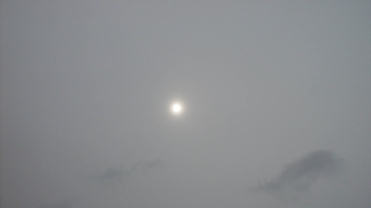 photo: Jasno330;desc: Altostratus cloud type mid level classification.;link: https://cs.wikipedia.org/wiki/Soubor:Altostratus_jasno330.jpg;licence: cc